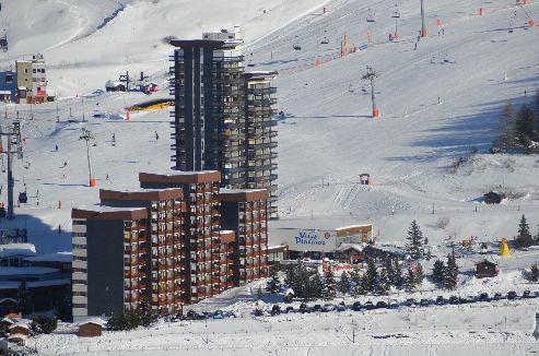 Location au ski Résidence les Dorons - Les Menuires - Extérieur été