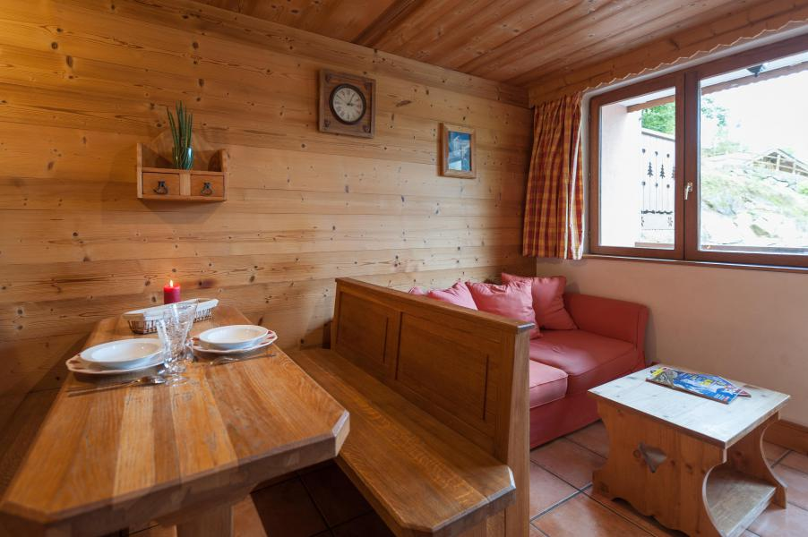 Holiday in mountain resort 3 room apartment 4 people - Résidence les Edelweiss - Champagny-en-Vanoise - Table