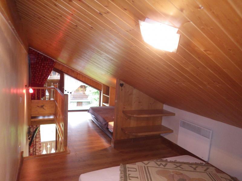 Holiday in mountain resort Studio 3 people (confort) - Résidence les Edelweiss - Champagny-en-Vanoise - Bedroom under mansard