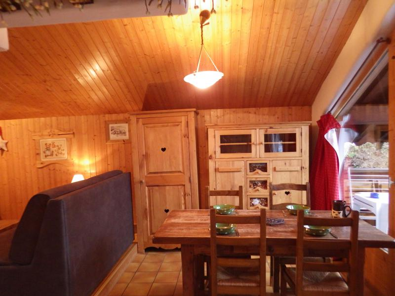 Holiday in mountain resort Studio mezzanine 4 people - Résidence les Edelweiss - Champagny-en-Vanoise - Dining area