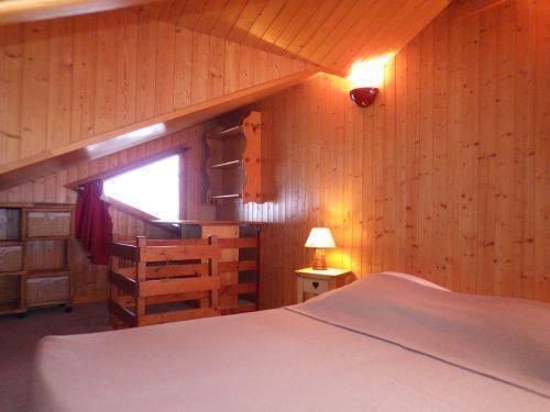 Vacances en montagne Studio mezzanine 4 personnes - Résidence les Edelweiss - Champagny-en-Vanoise - Couchage
