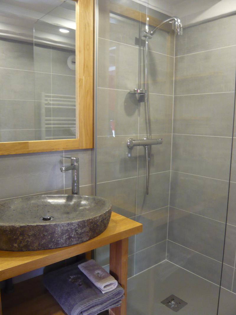 Vacances en montagne Studio mezzanine 4 personnes - Résidence les Edelweiss - Champagny-en-Vanoise - Salle de bains