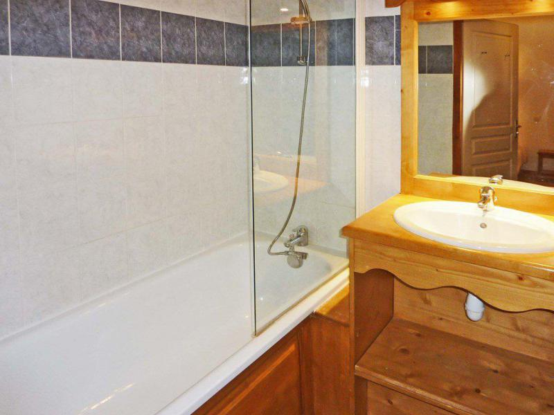 Vacaciones en montaña Apartamento cabina 2 piezas para 6 personas (811) - Résidence les Eglantines - Les Orres - Bañera