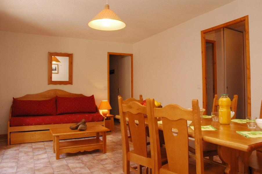 Holiday in mountain resort 3 room apartment 6 people (13) - Résidence les Essarts - Val Cenis - Table