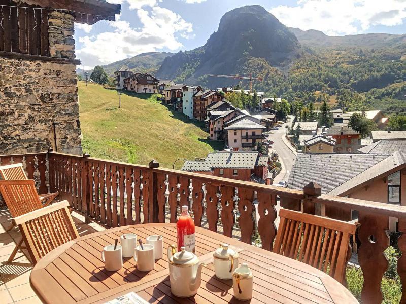Wakacje w górach Dom 5 pokojowy dla 8 osób - Résidence les Esserts - Saint Martin de Belleville - Na zewnątrz latem