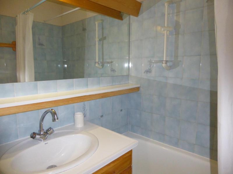 Vacaciones en montaña Apartamento 3 piezas para 6 personas (B6) - Résidence les Glaciers - Pralognan-la-Vanoise - Bañera