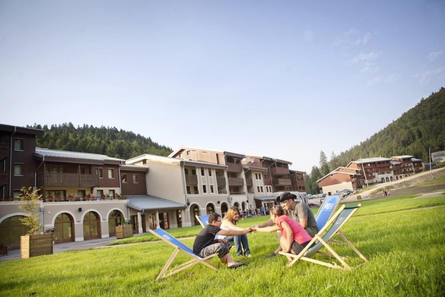 Location au ski Résidence les Grandes Feignes - La Bresse - Extérieur été