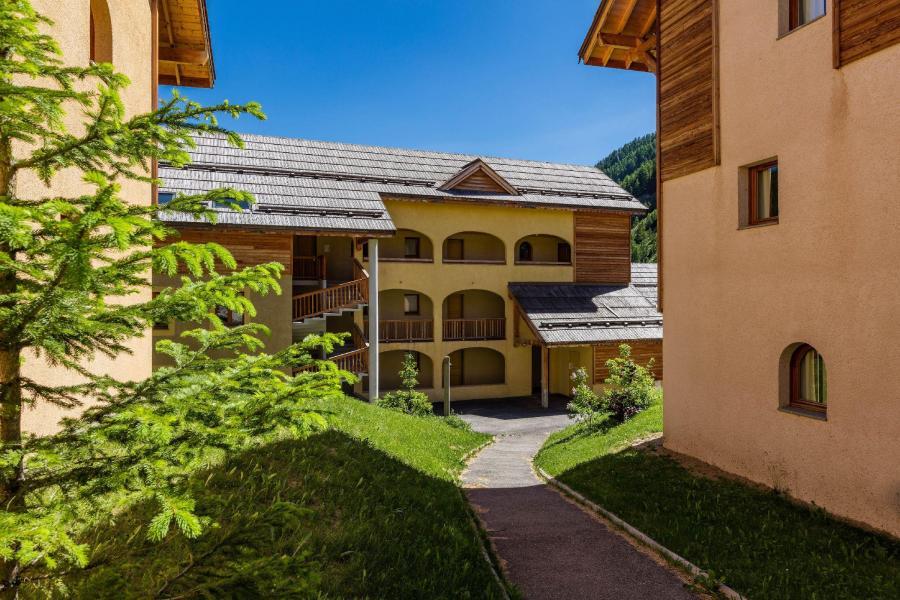 Vacances en montagne Résidence les Granges d'Arvieux - Arvieux en Queyras - Extérieur été