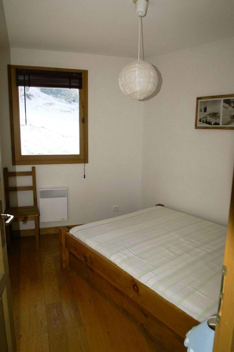 Holiday in mountain resort 3 room duplex apartment cabin 10 people - Résidence les Granges des 7 Laux - Les 7 Laux - Bedroom
