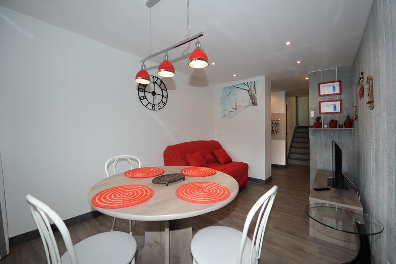Vacances en montagne Appartement 2 pièces 4 personnes (8) - Résidence les Lauzes - Les Menuires - Salle à manger