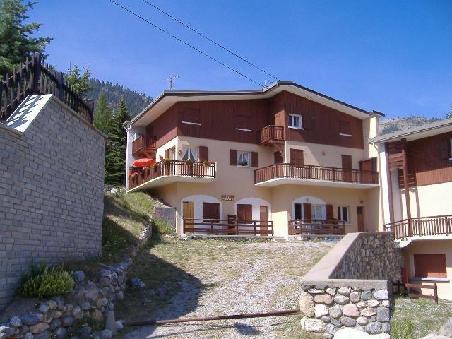 Location au ski Residence Les Melezes - Montgenèvre - Extérieur été