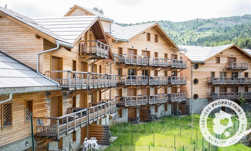 Location au ski Résidence les Mélèzes - Maeva Home - La Joue du Loup - Extérieur été
