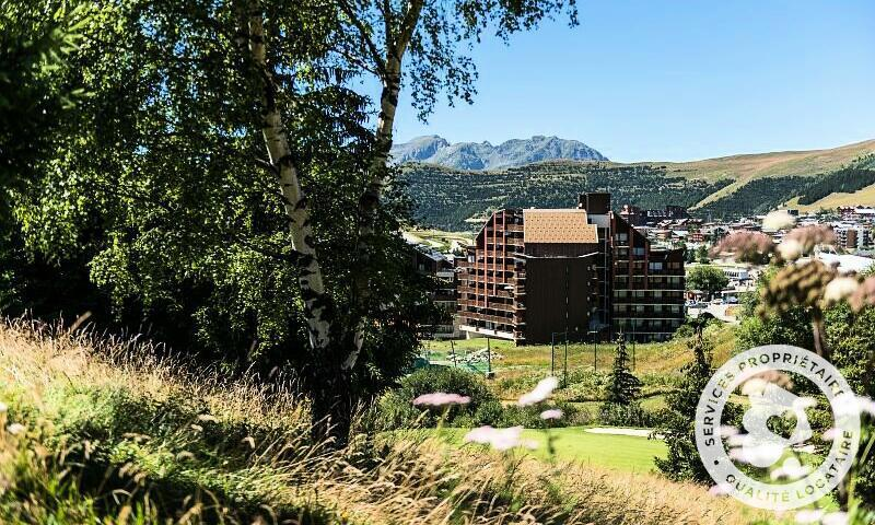 Аренда на лыжном курорте Résidence les Mélèzes - Maeva Home - Alpe d'Huez - летом под открытым небом