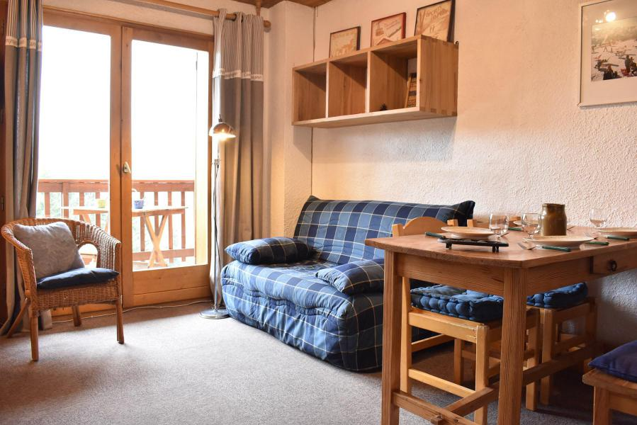 Holiday in mountain resort 2 room apartment 5 people (A12) - Résidence les Merisiers - Méribel - Bed-settee