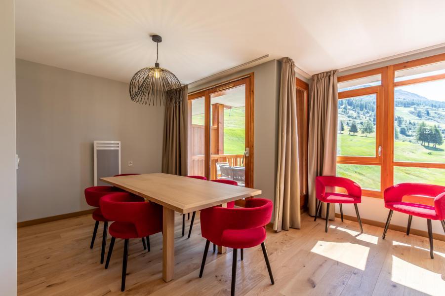 Wakacje w górach Apartament 4 pokojowy 8 osób (905) - Résidence les Monarques - Les Arcs - Stołem