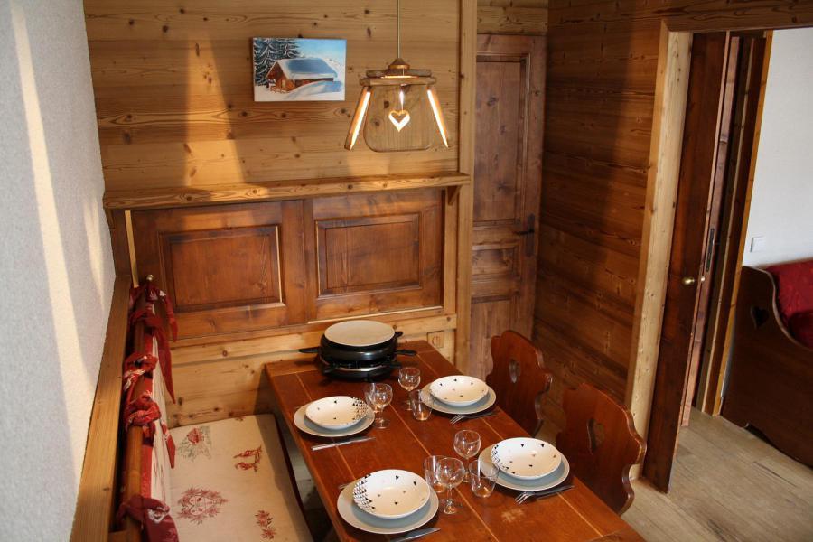 Vacances en montagne Studio 4 personnes (017) - Résidence les Pierres Plates - Valmorel - Table