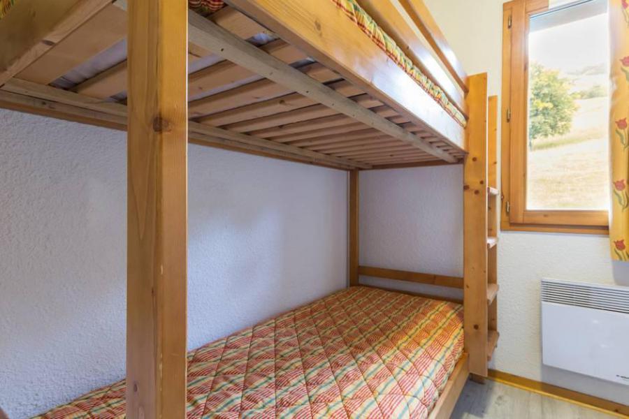 Vacaciones en montaña Apartamento 3 piezas para 6 personas (A21) - Résidence les Pistes - Le Corbier - Camas superpuestas