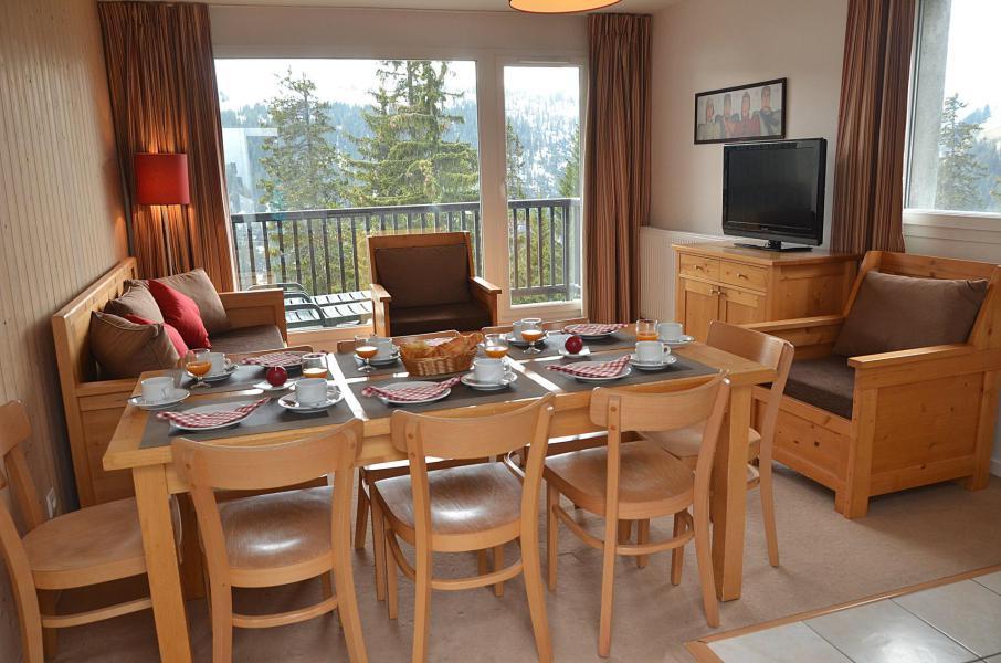 Urlaub in den Bergen Résidence les Pléiades - Flaine - Tisch