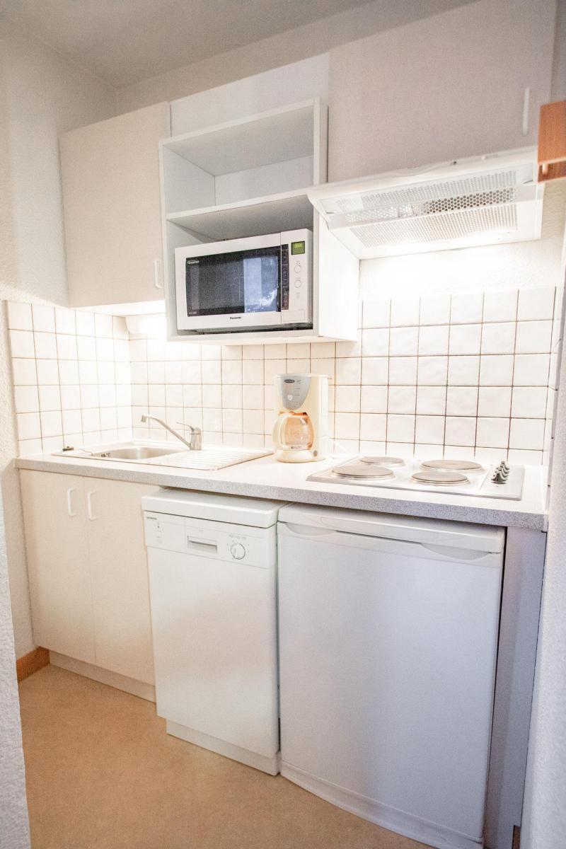 Vacaciones en montaña Apartamento cabina 2 piezas para 6 personas (SB402C) - Résidence les Portes de la Vanoise - La Norma - Mesa