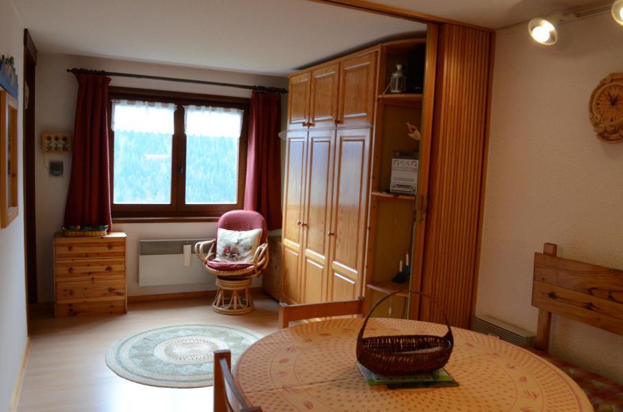 Vacaciones en montaña Apartamento 2 piezas para 4 personas (007) - Résidence les Sorbiers - Châtel - Mesa