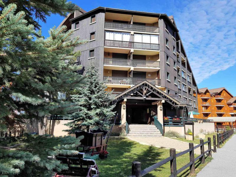 Rent in ski resort Résidence Les Terrasses  - La Joue du Loup - Summer outside