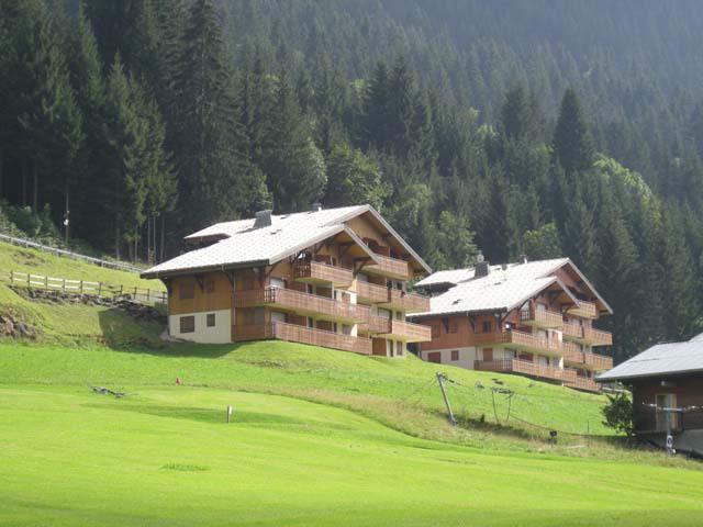 Vacances en montagne Résidence les Tyroliens - Châtel - Extérieur été
