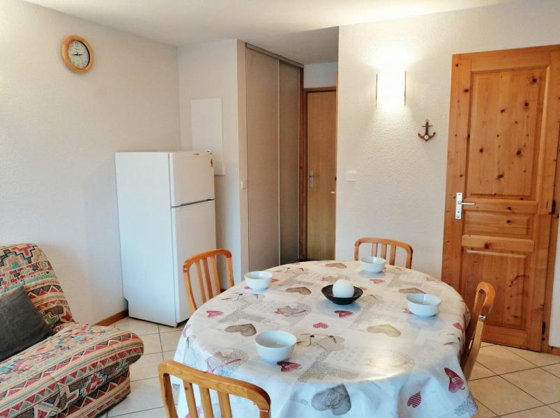 Vacaciones en montaña Apartamento 3 piezas para 6 personas (A01) - Résidence les Verdets - Morillon - Mesa