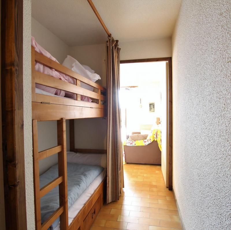 Vacances en montagne Studio cabine 5 personnes (A003) - Résidence Neyzets - Serre Chevalier - Lits superposés