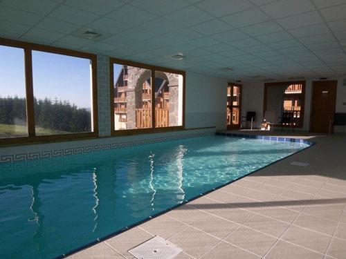 Residence o sancy by residandco partir de 227 for Super besse piscine