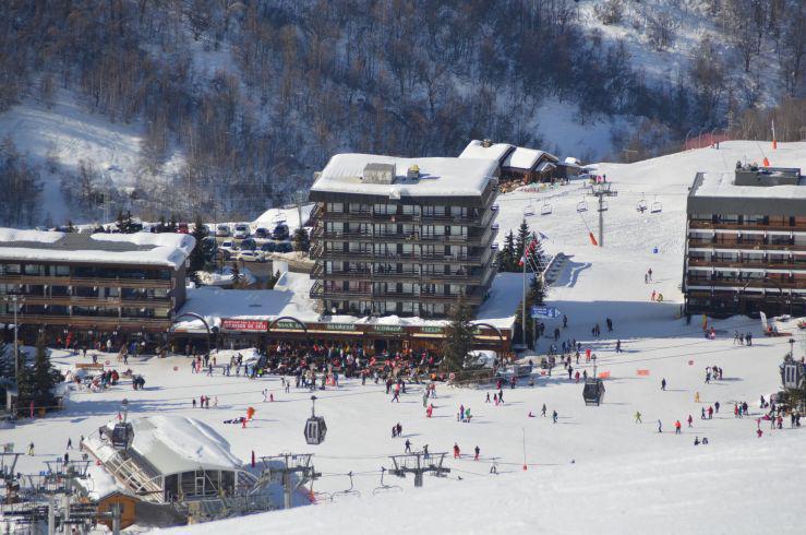 Location au ski Résidence Oisans - Les Menuires - Extérieur été