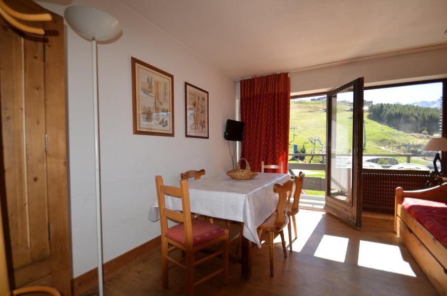 Vacances en montagne Appartement 2 pièces 5 personnes (43) - Résidence Oisans - Les Menuires - Table