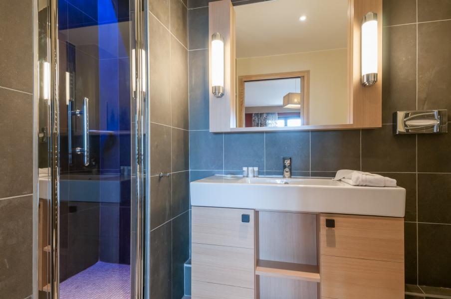 Vacaciones en montaña Résidence P&V Premium l'Amara - Avoriaz - Cuarto de baño con ducha