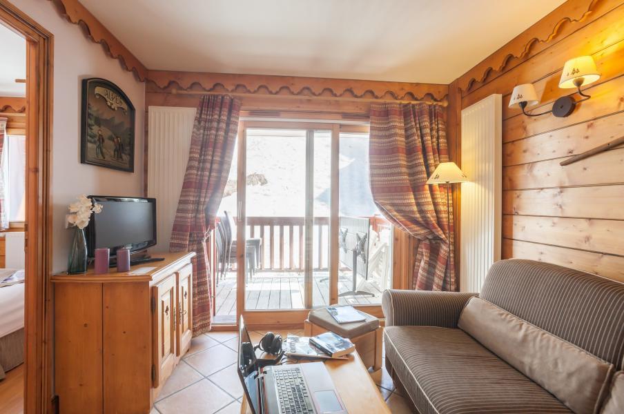 Urlaub in den Bergen Résidence P&V Premium l'Ecrin des Neiges - Tignes - Kleines Wohnzimmer