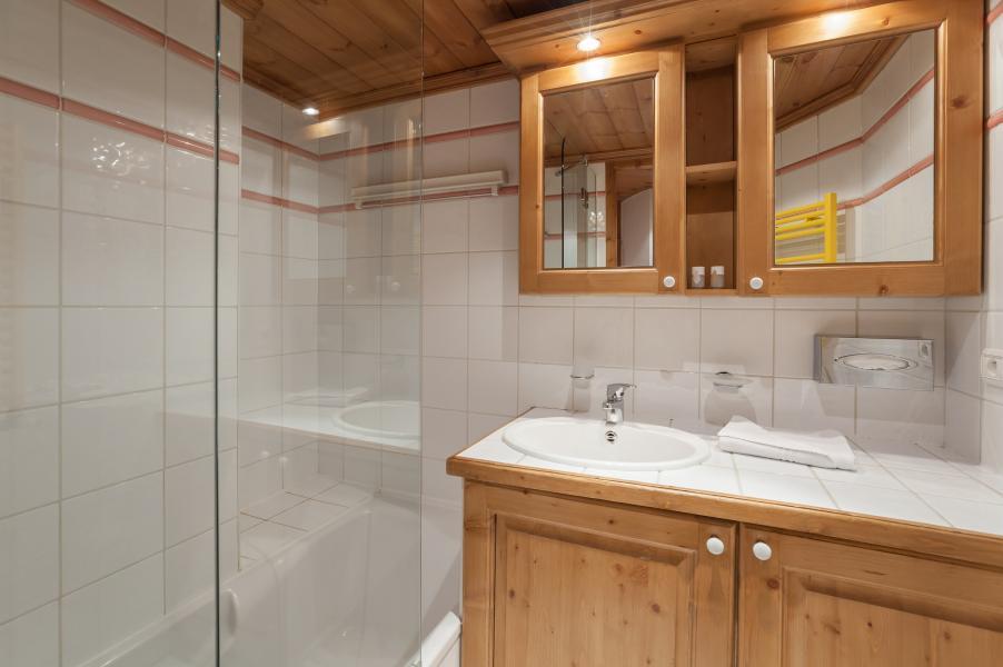 Urlaub in den Bergen Résidence P&V Premium la Ginabelle - Chamonix - Badezimmer