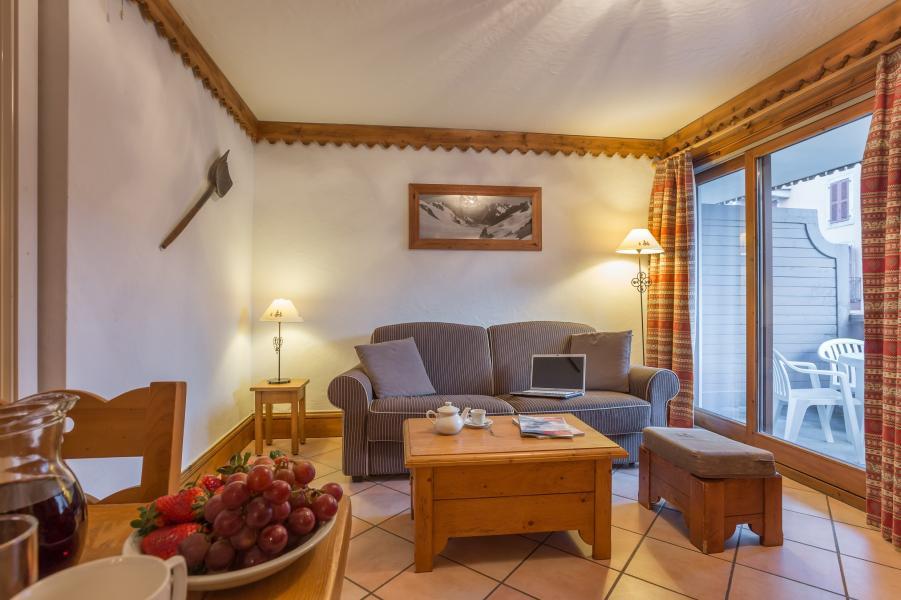 Urlaub in den Bergen Résidence P&V Premium la Ginabelle - Chamonix - Kleines Wohnzimmer
