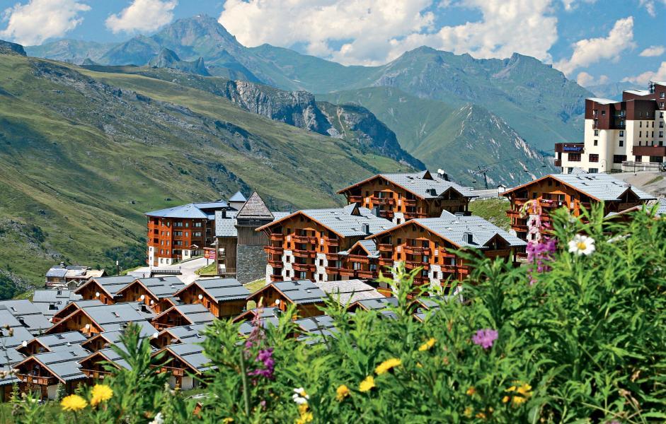 Vakantie in de bergen Résidence P&V Premium les Alpages de Reberty - Les Menuires - Buiten zomer