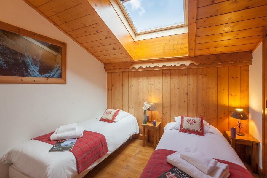 Vakantie in de bergen Résidence P&V Premium les Alpages de Reberty - Les Menuires - Zolderkamer
