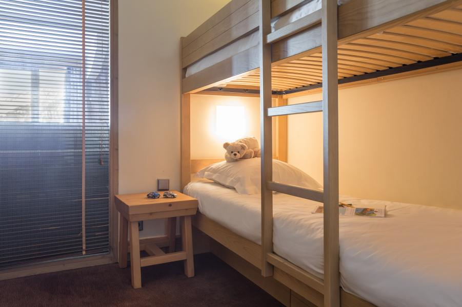 Holiday in mountain resort Résidence P&V Premium les Chalets du Forum - Courchevel - Bunk beds