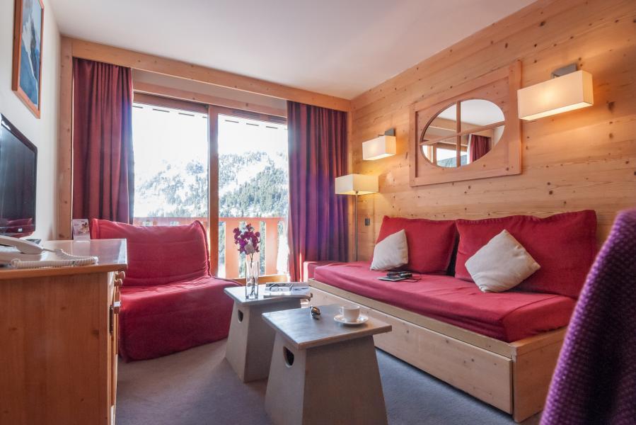 Holiday in mountain resort Résidence P&V Premium les Crêts - Méribel-Mottaret - Living area