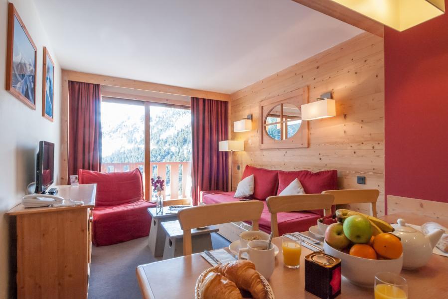 Holiday in mountain resort Résidence P&V Premium les Crêts - Méribel-Mottaret - Living room