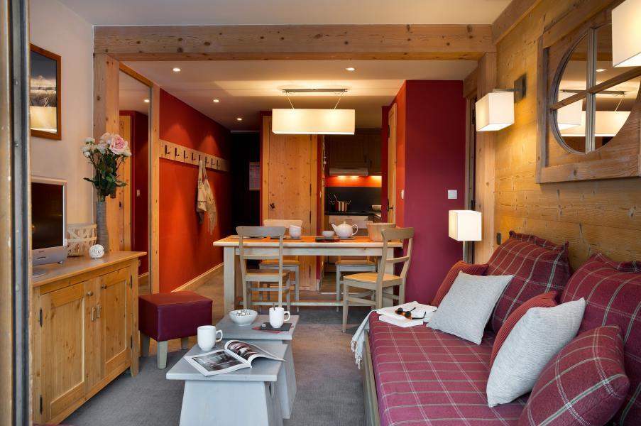 Holiday in mountain resort Résidence P&V Premium les Crêts - Méribel-Mottaret - Settee