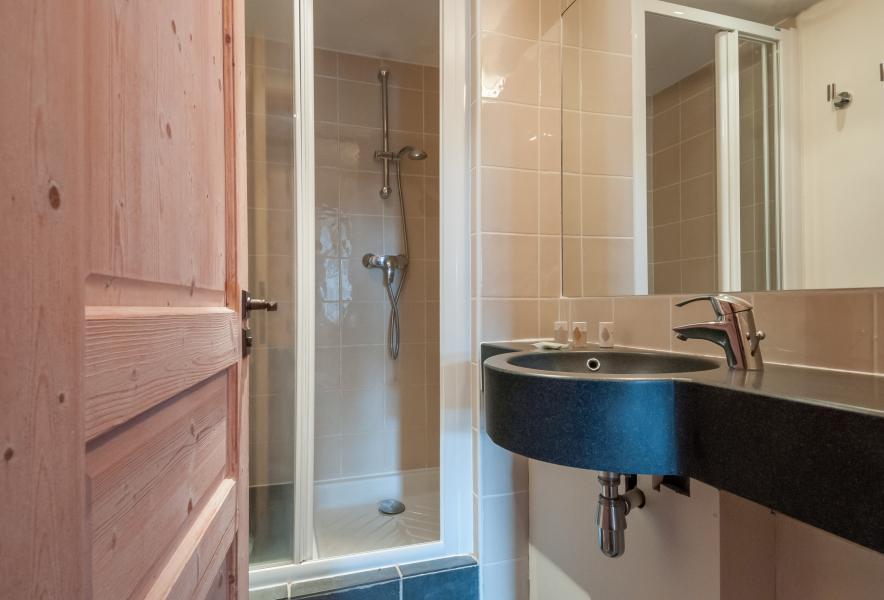 Holiday in mountain resort Résidence P&V Premium les Crêts - Méribel-Mottaret - Shower