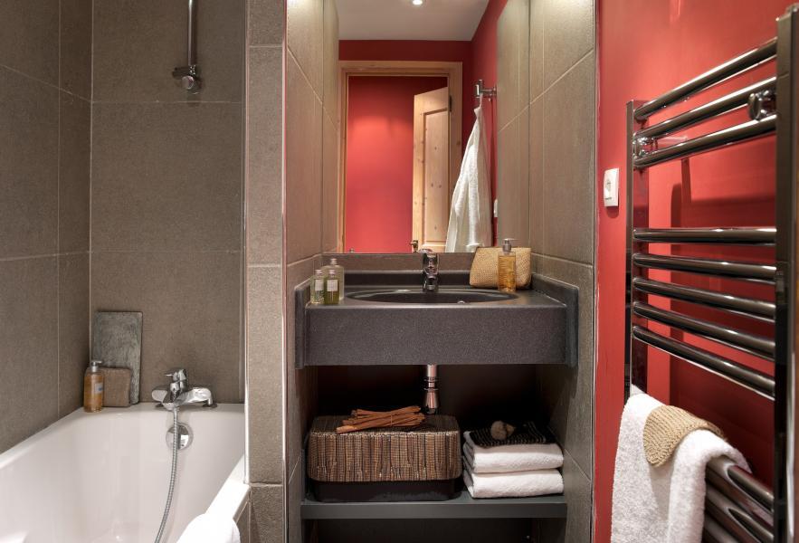 Holiday in mountain resort Résidence P&V Premium les Crêts - Méribel-Mottaret - Towel-dryer