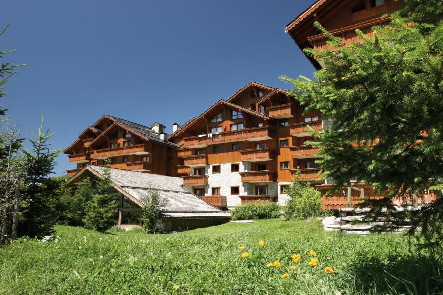 Urlaub in den Bergen Résidence P&V Premium les Fermes de Méribel - Méribel - Draußen im Sommer