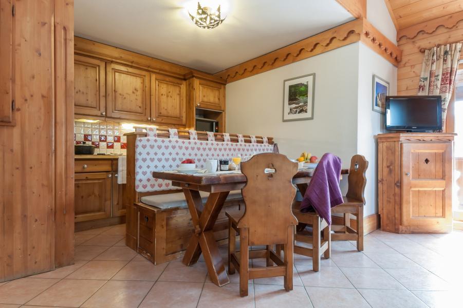Holiday in mountain resort Résidence P&V Premium les Fermes de Méribel - Méribel - Kitchen