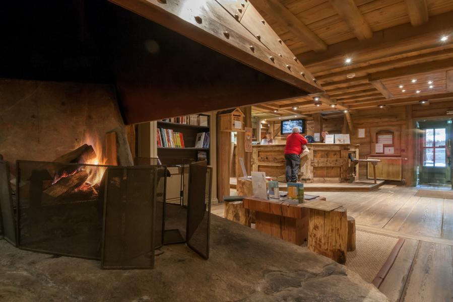 Vakantie in de bergen Résidence P&V Premium les Fermes de Méribel - Méribel - Open haard