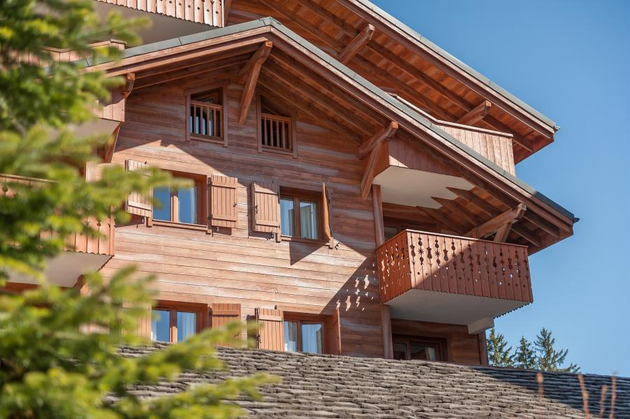 Rent in ski resort Résidence P&V Premium les Fermes du Soleil - Les Carroz - Summer outside