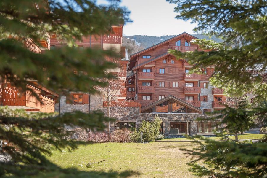 Location au ski Résidence P&V Premium les Fermes du Soleil - Les Carroz - Extérieur été