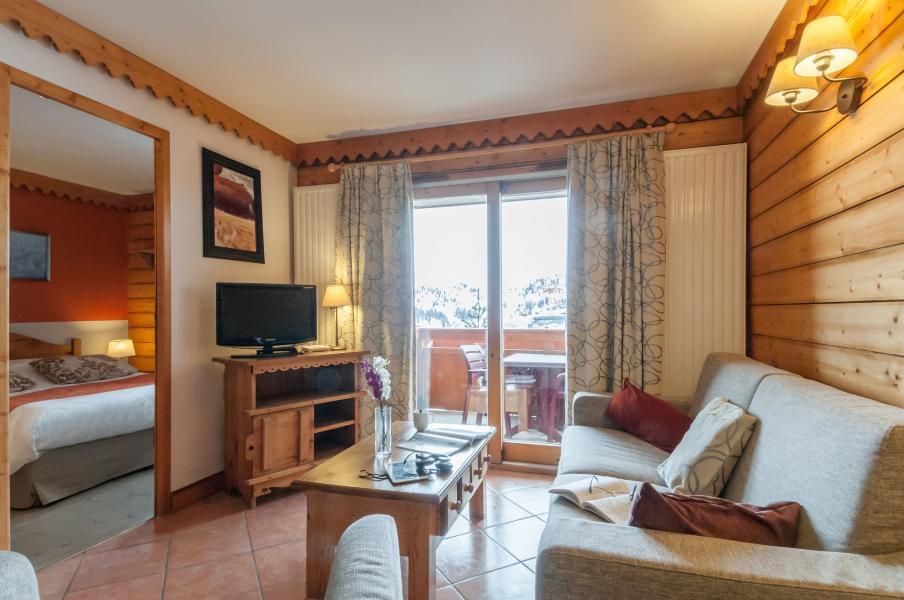 Urlaub in den Bergen Résidence P&V Premium les Hauts Bois - La Plagne - Kleines Wohnzimmer