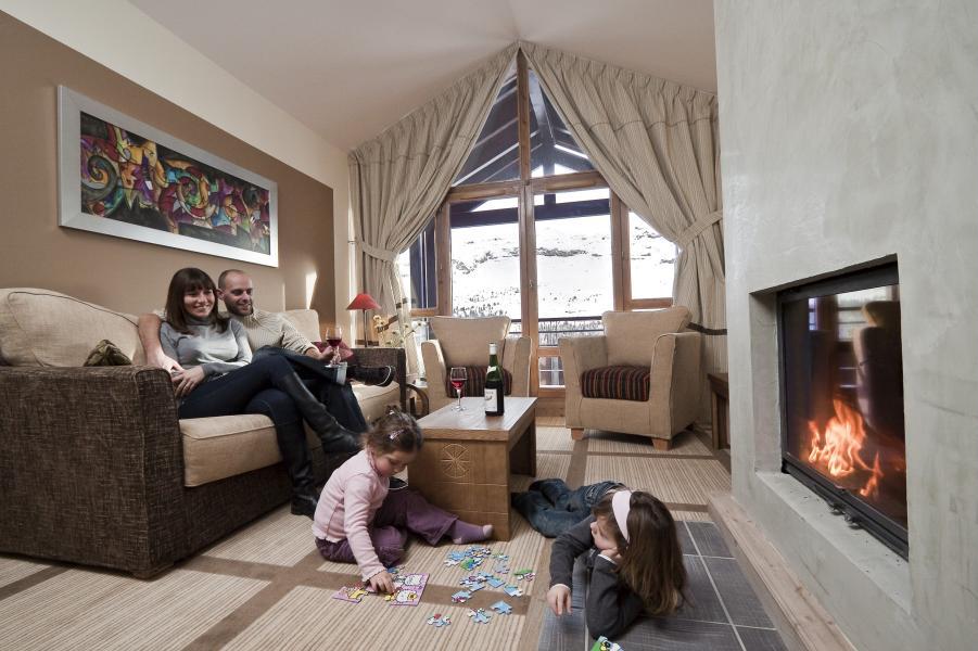 Vakantie in de bergen Résidence P&V Premium les Terrasses d'Eos - Flaine - Open haard